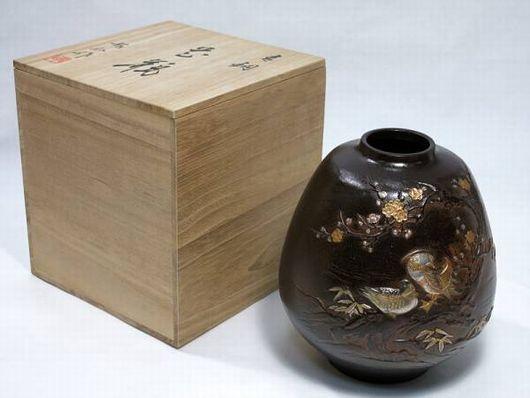 龍仙作 青銅 銅嵌金銀 梅鴛鴦盛上象嵌 花瓶