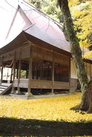 銀杏の神社