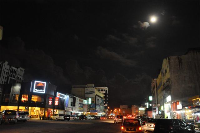コタバルの夜