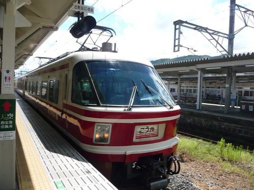 2012.08.04-高野山へ-橋本駅の列車03