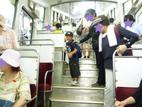 2012.08.04-高野山へ-極楽橋駅のケーブルカー03