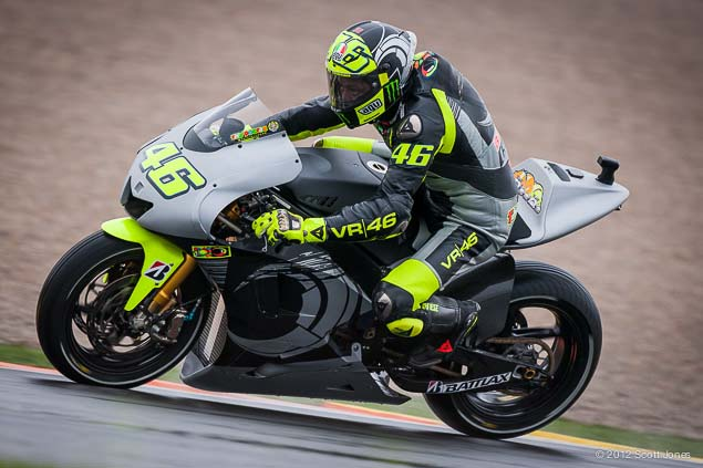 Valentino-Rossi-Valencia-Test-Yamaha-Racing-Scott-Jones-13.jpg