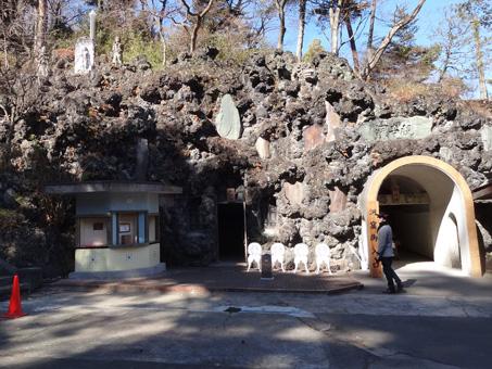 洞窟観音01
