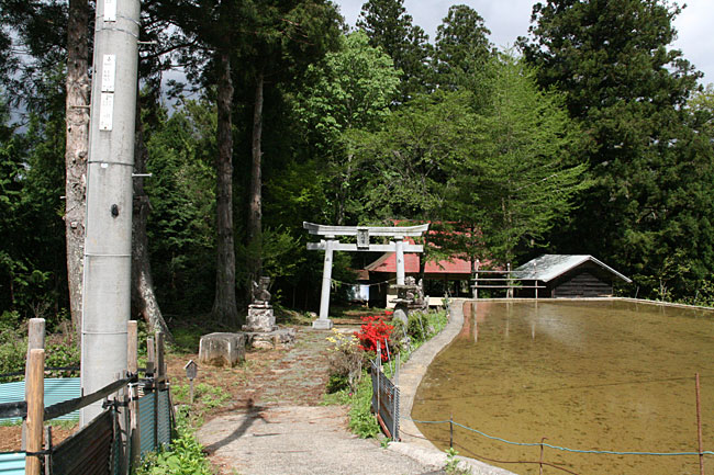 中黒岩・尾崎神社