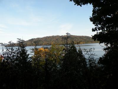 屈斜路湖西岸を走る