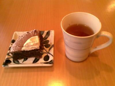 ルイボスティとケーキ