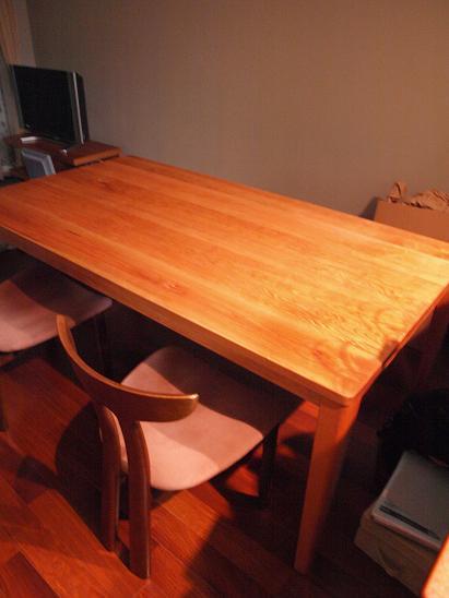 チェリーのダイニングテーブル