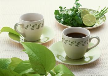 葉とカップ