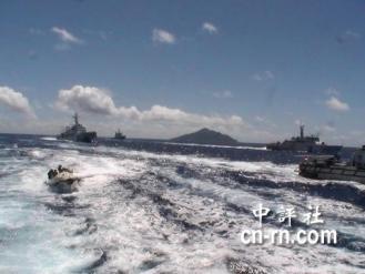 47 日方追趕保釣船。(世界華人保釣聯盟提供)