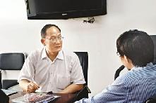 717 著名釣魚島研究學者鄭海麟接受本報記者專訪。香港文匯報記者王曉雪 攝