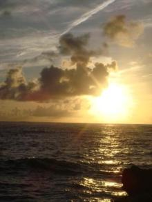 ひかり輝く自然界からのおくりもの-朝日