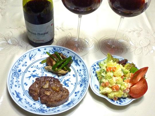 ステーキと赤ワイン
