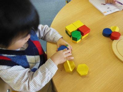 幼児教室MIE ボーネルンド立体パズル