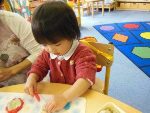 2歳児さん油粘土あそび
