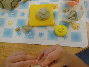 2歳児さんの粘土遊び