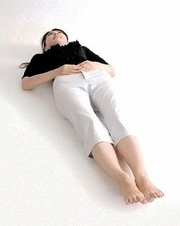 硬い床の上で効果を発揮します。