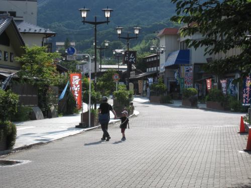 長瀞駅前通り1_convert_20120808153524