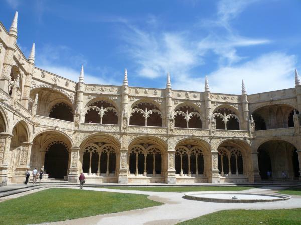 ジェロニモス修道院回廊