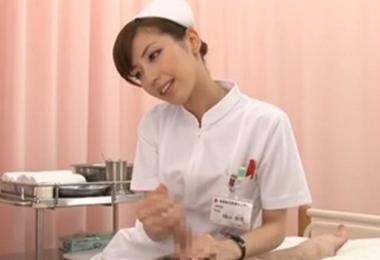 【横山美雪】美しすぎるナースのち●ぽ洗い&こっそり手コキ治療で大量射精する患者