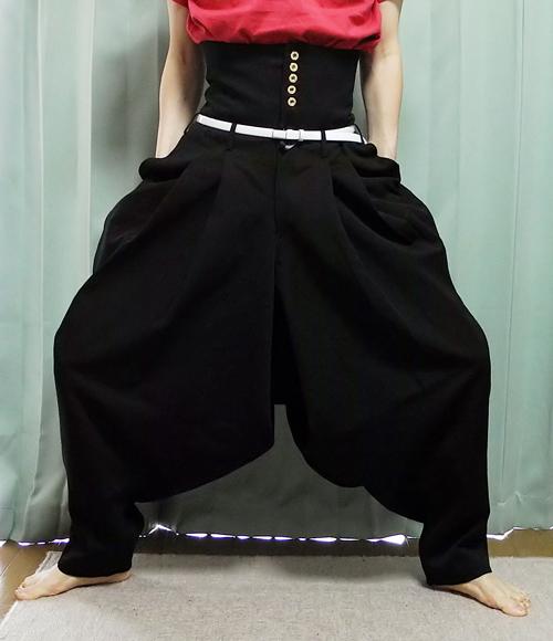【ボンタン】80年代に中高生だったオジサンたちってこんなダサい学生ズボン履いてたの?(´・ω・`)