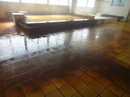 床の変色が凄いっす