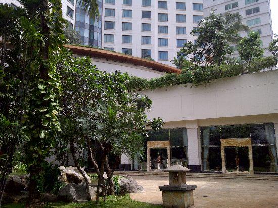 Tanah Abang-20121223-01159