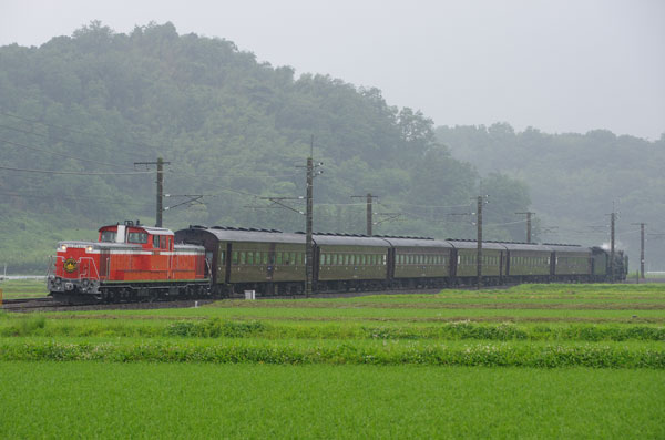 120701isobe-annnaka2.jpg