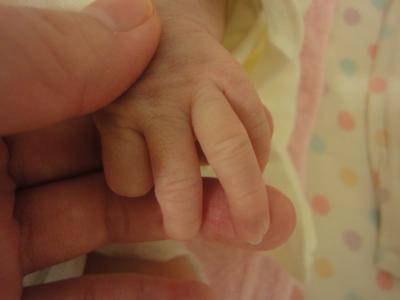 赤ちゃん小さな手