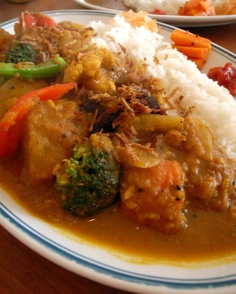 カラクタ食堂 豆と野菜2