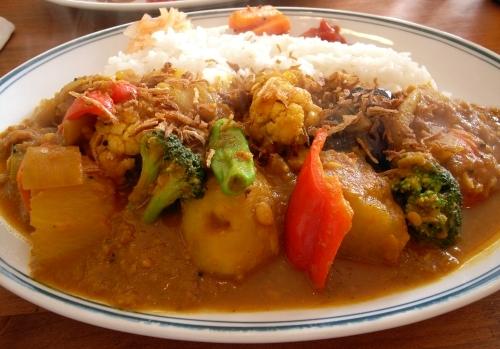 カラクタ食堂 豆と野菜1