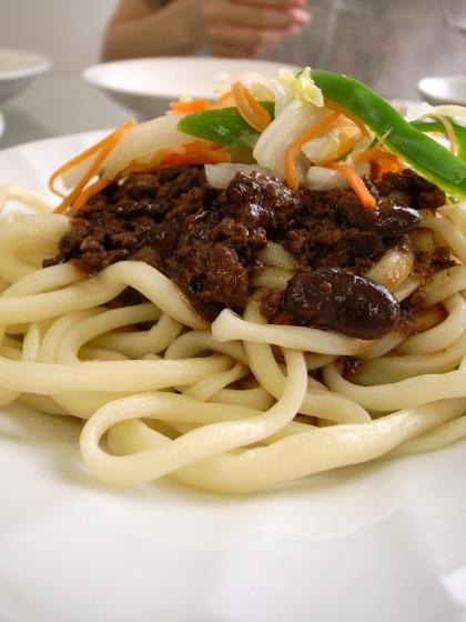 香膳 ラグマン肉味噌 丸麺
