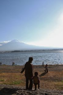 富士山と親子