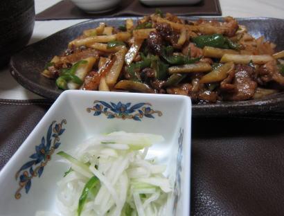 コールラビの肉炒めと酢の物