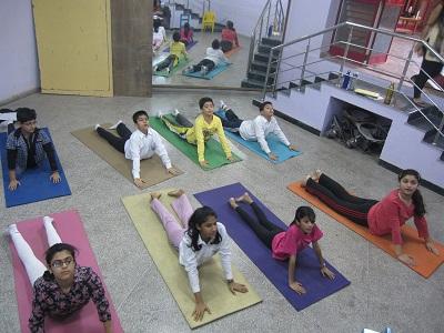 nagano-delegation-yoga.jpg