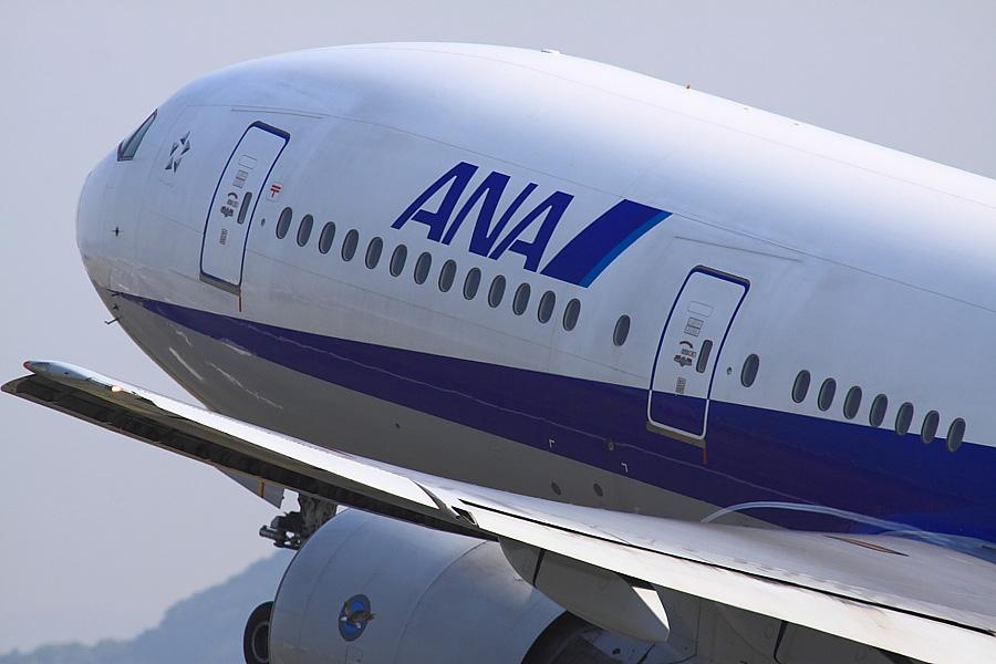 ANA B777-281 ANA14@伊丹スカイパーク(by EOS 50D with SIGMA APO 300mm F2.8 EX DG/HSM + APO TC2x EX DG)