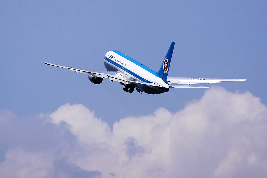 ANA B767-381 ANA735@伊丹スカイパーク(by EOS 50D with SIGMA APO 300mm F2.8 EX DG/HSM)