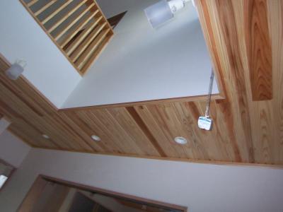 板張り天井