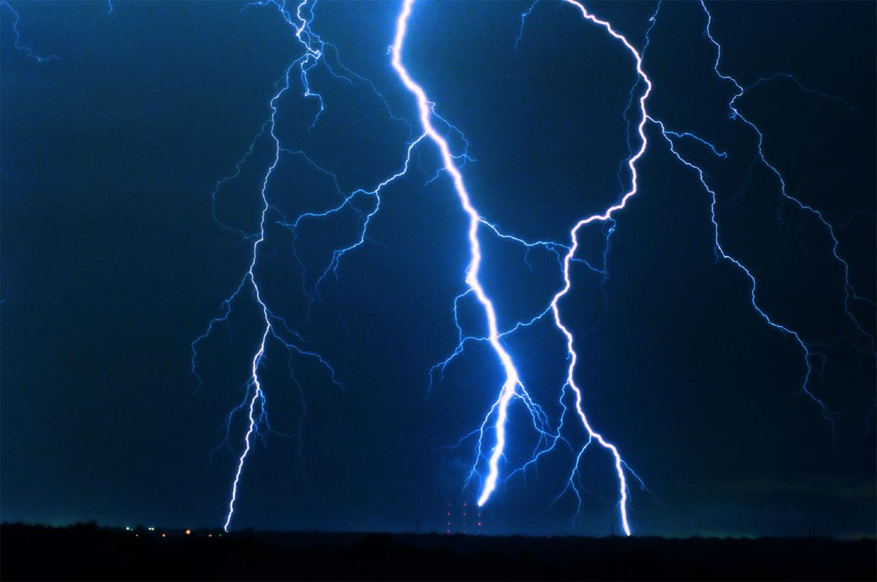 thunder00.jpg
