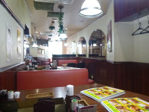 ステーキのくいしんぼ神田神保町店でハンバーグランチ010