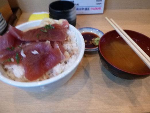 秋葉原○喜まぐろ亭の海鮮丼まぐろ丼大盛り012