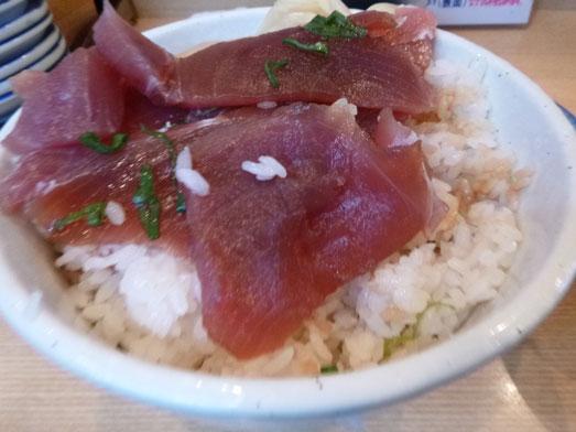 秋葉原○喜まぐろ亭の海鮮丼まぐろ丼大盛り013
