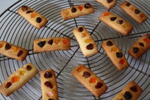ドライフルーツのラインクッキー