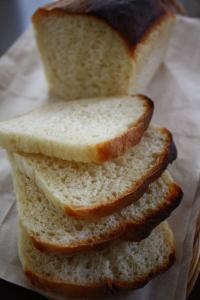 ヨーグルト入り食パン