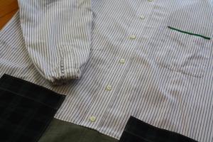 こちらは古着シャツ1枚で。
