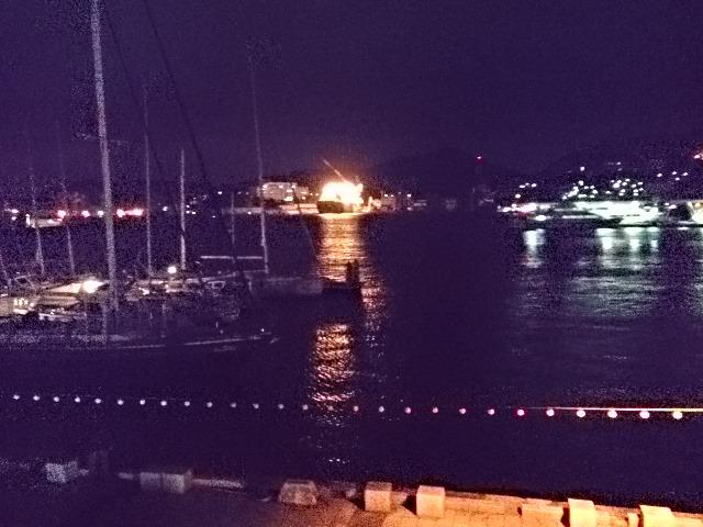 長崎港の夜明け