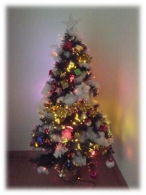 てんこ盛りのクリスマスツリー