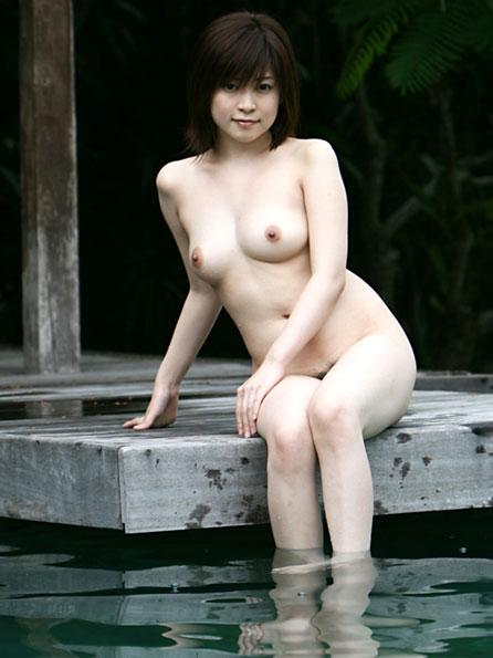露天風呂でおっぱいに癒されたい