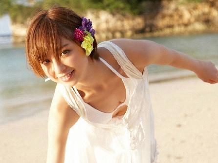 【篠田麻里子】美人で美乳くびれ、美尻に美脚と、完璧過ぎてエロ刺激MAX!(*´Д`)ハァハァ エロ画像30枚