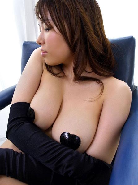 乳首や乳輪隠しちゃったおっぱい