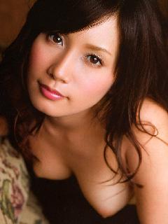 【美乳画像】絵画のような美少女と美乳!…イジらしいチクビがいいですね!